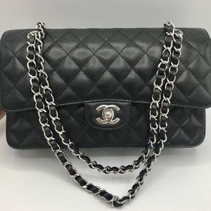 fde97ad5e190 Women Chanel Medium Caviar Flap Bag on Poshmark